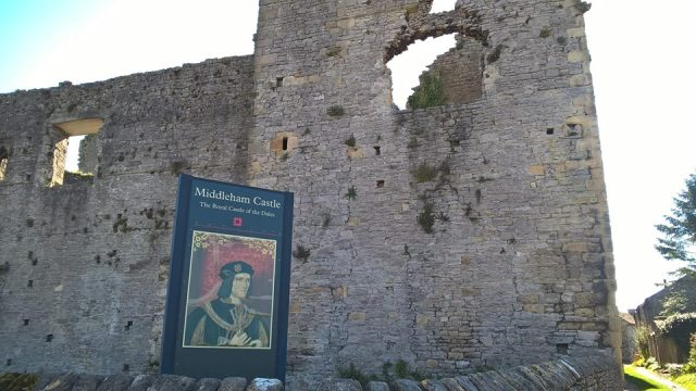 at middleham castle3